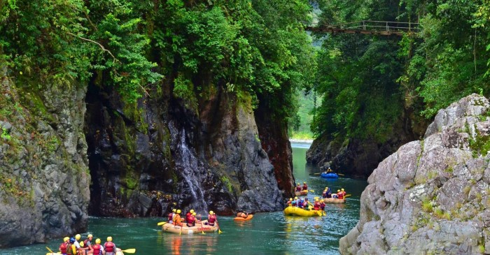 Pacuare River Rafting Class III-IV One Day Trip - Costa Rica 1