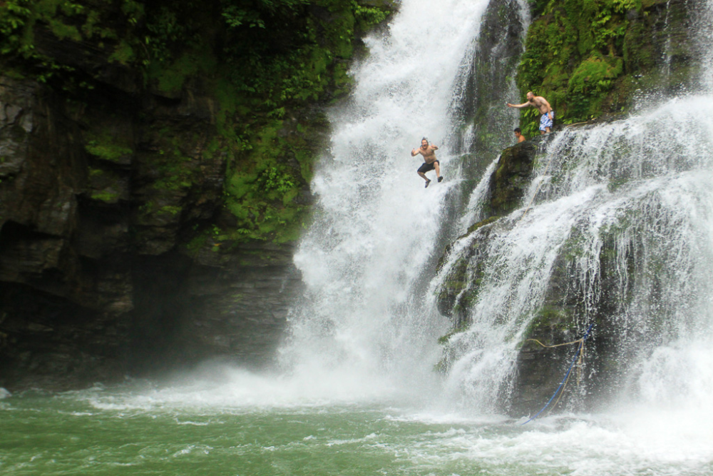 nauyaca-waterfalls-costa-rica