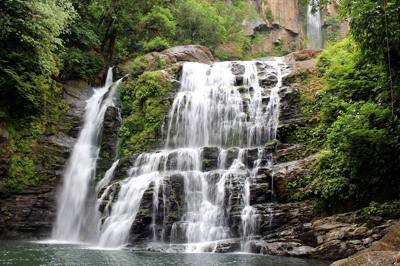 nauyaca-waterfalls-in-costa-rica